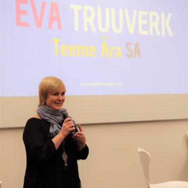 Eva Truuverk kõnelemas