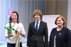 Parima sooteadliku MTÜ autasustamine ENUTi kevadkonverentsil 2019