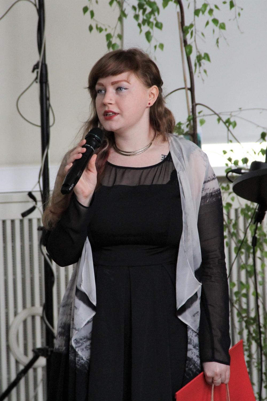 Katrina Koppel Eesti Üliõpilaste Liidust kõneleb ENUTi kevadkonverentsil 2017